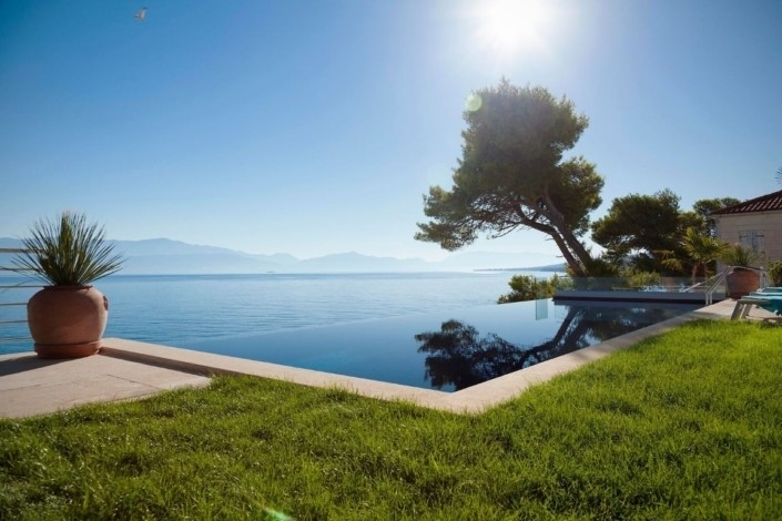 Villa-Luxury-piscine